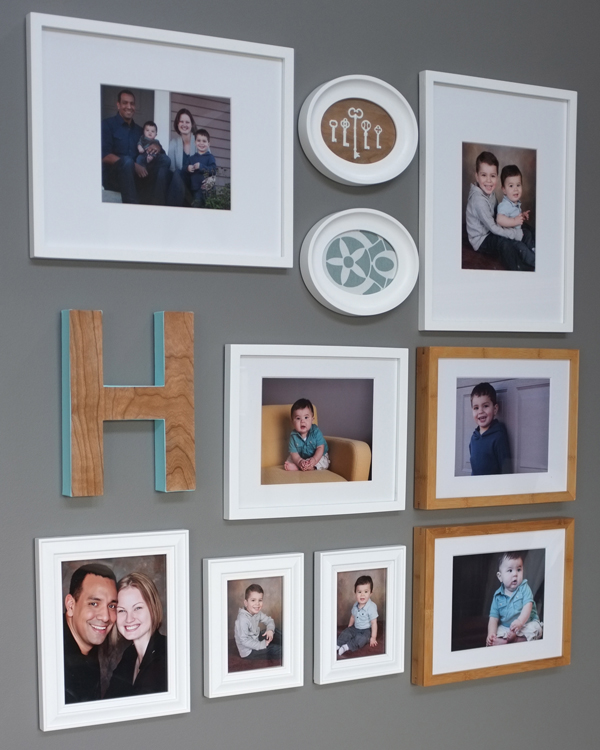 Family photo gallery for Wall of framed pictures