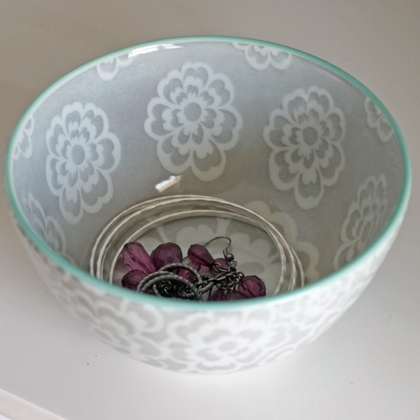Decorative Trays And Bowls As Catchalls In The Bedroom Interesting Decorative Trays For Bedroom