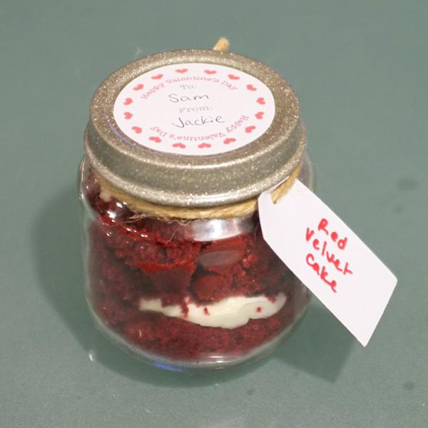 Red Velvet Cake in a Jar Valentine