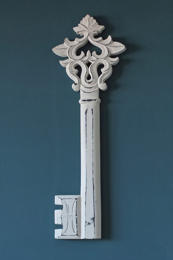 Oversized Key Wall Decor