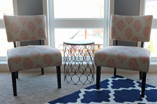 Delightful Familyroomchairs1