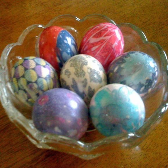 Silk-Dyed Easter Eggs