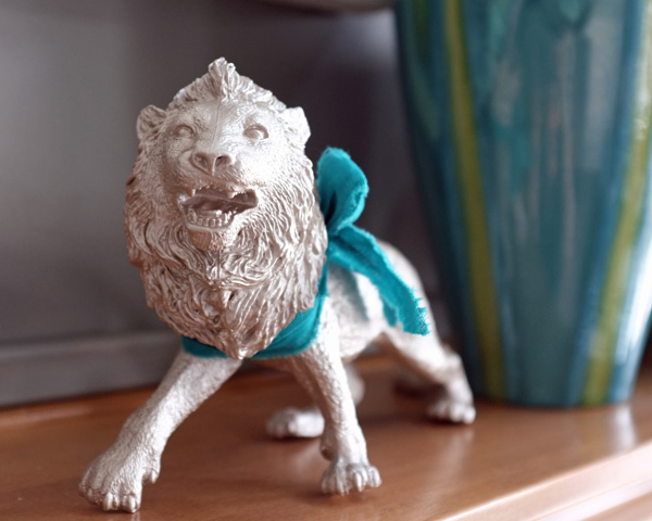 Use Rub 'N Buff to turn plastic toy animals into metallic home decor.