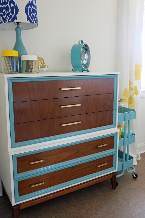 Tri Color Dresser