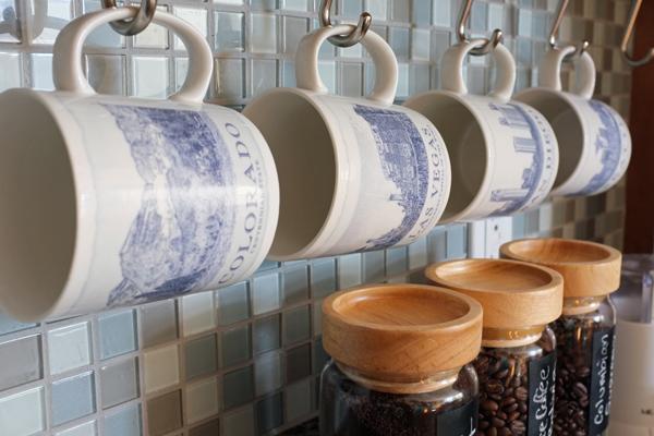hanging coffee mugs