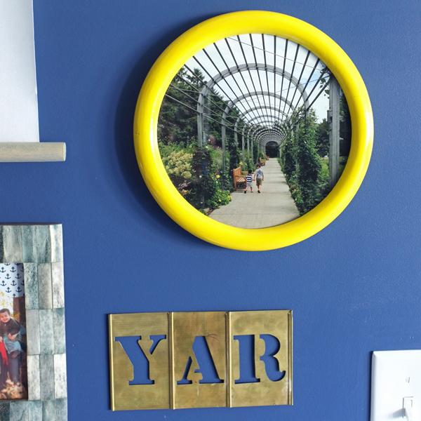 Round Yellow Frame