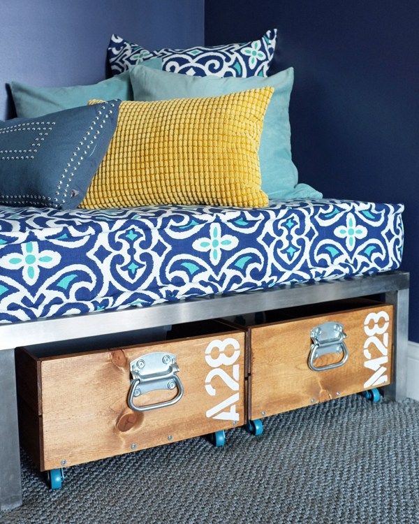 DIY Removable Tailored Daybed Cover & A Favorite Fabric Source