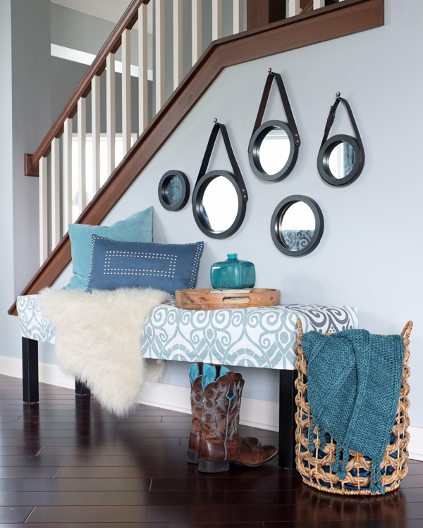 10 Chic Ways To Decorate Your Entryway Wall: How To Style A Bench