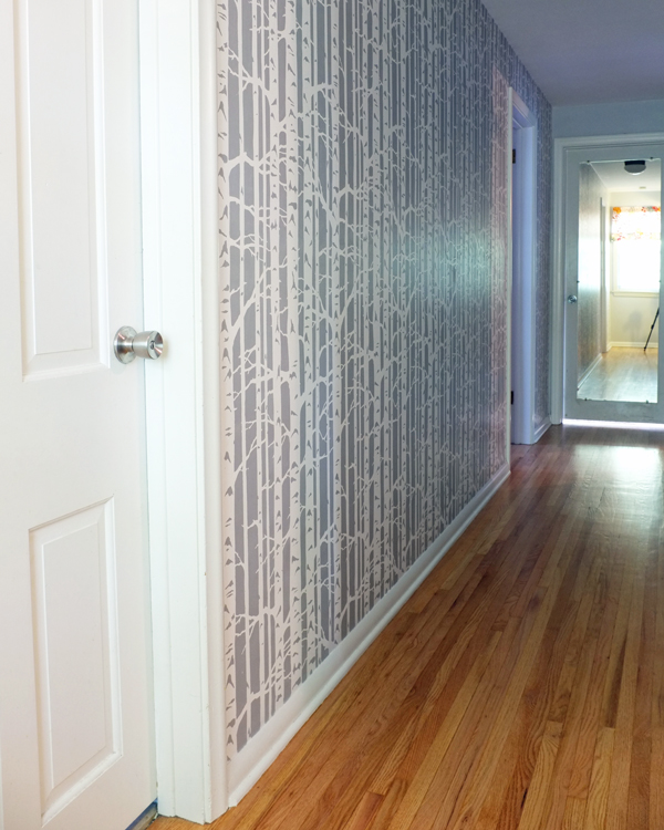 an-inviting-home-hallway