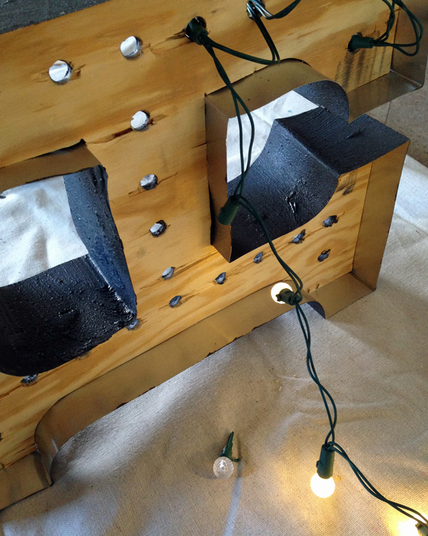 Wiring a DIY Marquee Light | tealandlime.com