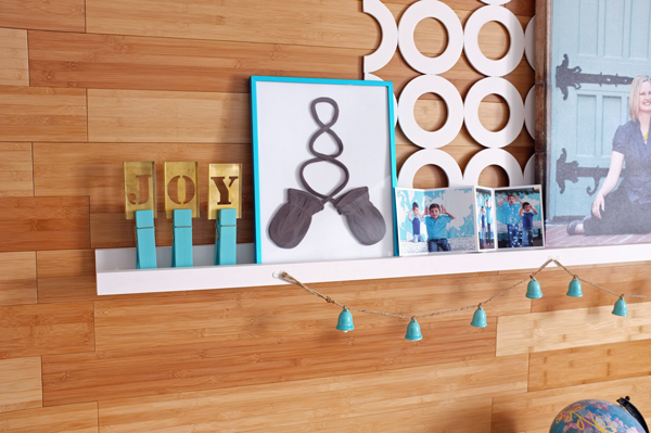 Great instant art idea - frame a pair of baby mittens | tealandlime.com