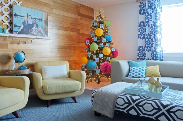 Fun Christmas tree decorated with paper lanterns | tealandlime.com