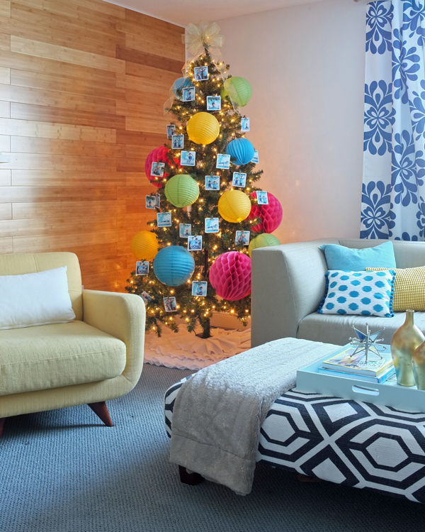 Fun paper lantern decorated Christmas tree | tealandlime.com