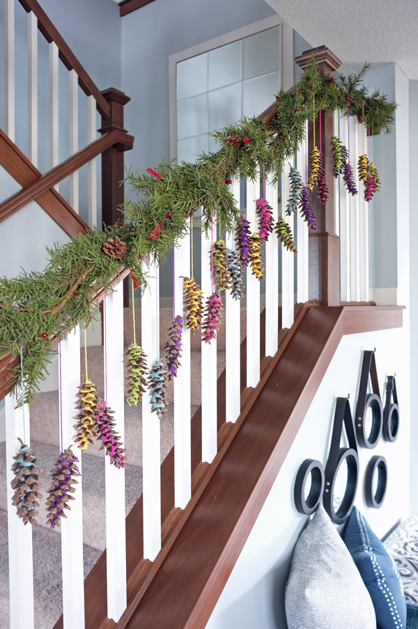 Yarn Wrapped Pinecone Garland | tealandlime.com