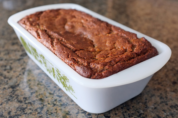 How to make super moist, healthy (paleo-friendly) banana bread | tealandlime.com
