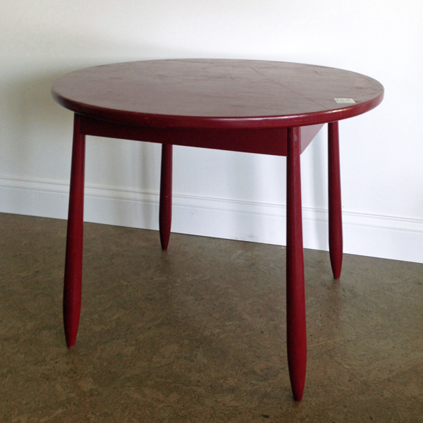 Quick Tweak Rescues Ugly Secondhand Table | www.tealandlime.com