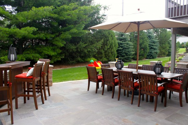 Easy Outdoor Living Updates | tealandlime.com