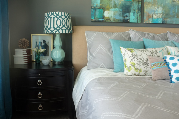 Love this duvet cover with built-in top sheet for easy bed making.