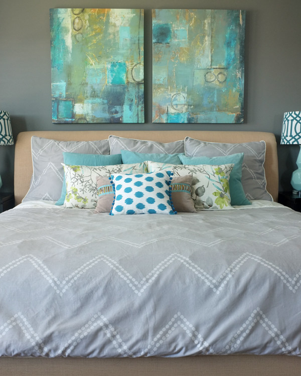 teal-art-in-master-bedroom