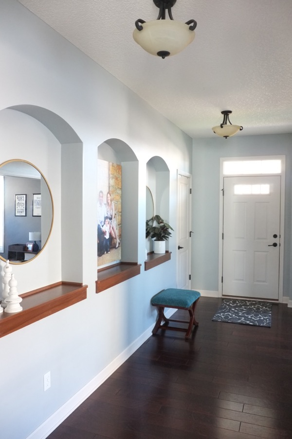 Art In Foyer : Ingredients for an inviting entryway school of decorating