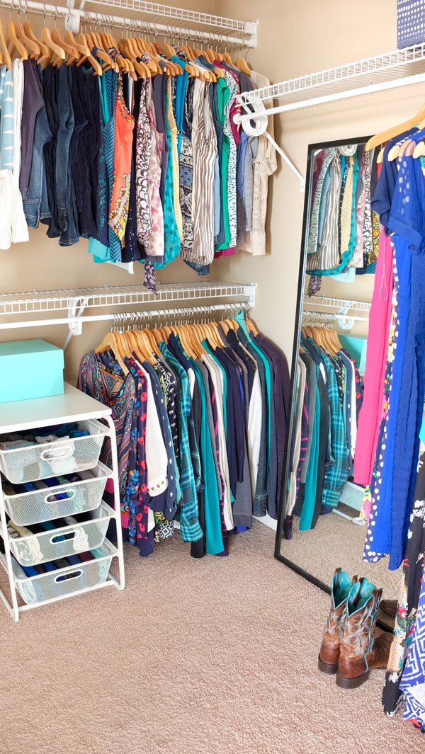 Organized Walk In Closet It Looks So Nice Even Though Has Inexpensive Wire